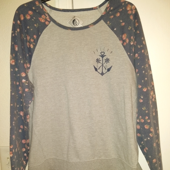 Volcom scoop neck
